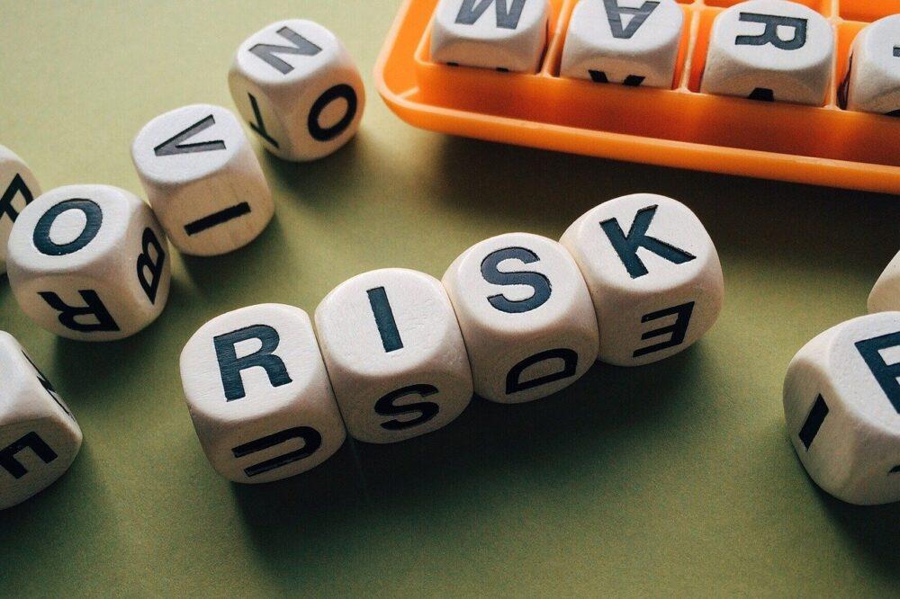 アメブロでビジネスを行う2つのリスク