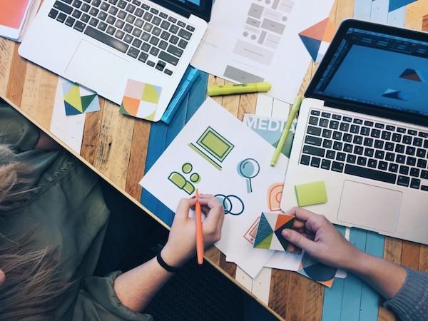 ダブルバインドを個人起業家のマーケティングに活用するには?