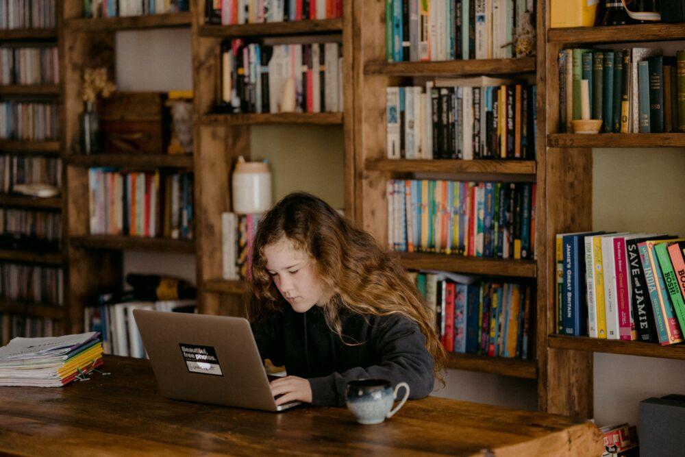 WEBマーケティングは独学で学べるのか?
